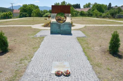 1956-os emlékmű Mátraszőlős